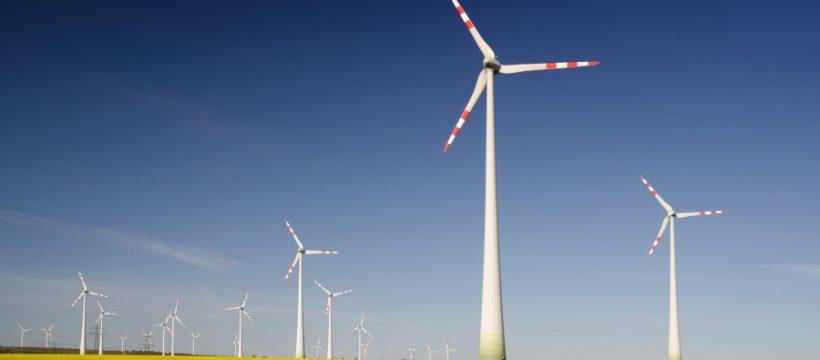 V Nemecku sa miesto veterných turbín pretáčajú panenky spotrebiteľov, bolesť hlavy z prechodu na obnoviteľné zdroje naberá na intenzite