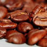 Výhody pitia kávy – s čím vám môže tento obľúbený nápoj pomôcť?